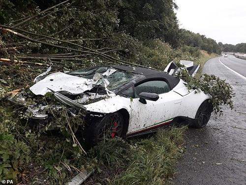 Thuê siêu xe Lamborghini Huracan 5,6 tỷ dự đám cưới cho oai, thanh niên ôm đống nợ khi tai nạn bất ngờ ập tới-1