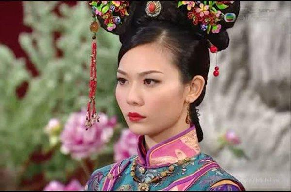 Em gái bị tố rửa tiền, Hoa đán TVB tuyên bố sẽ vì đại nghĩa diệt thân-6