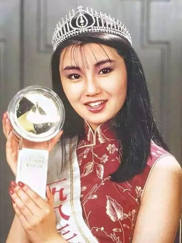 Đệ nhất mỹ nhân Hong Kong Trương Mạn Ngọc: Tuổi U60 già nua, lập dị, không con cái-1