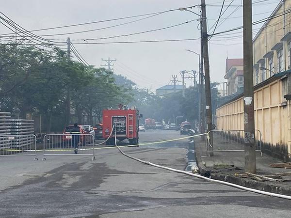 Hà Nội: Cháy lớn công ty thuốc thú y, 3 người tử vong-2