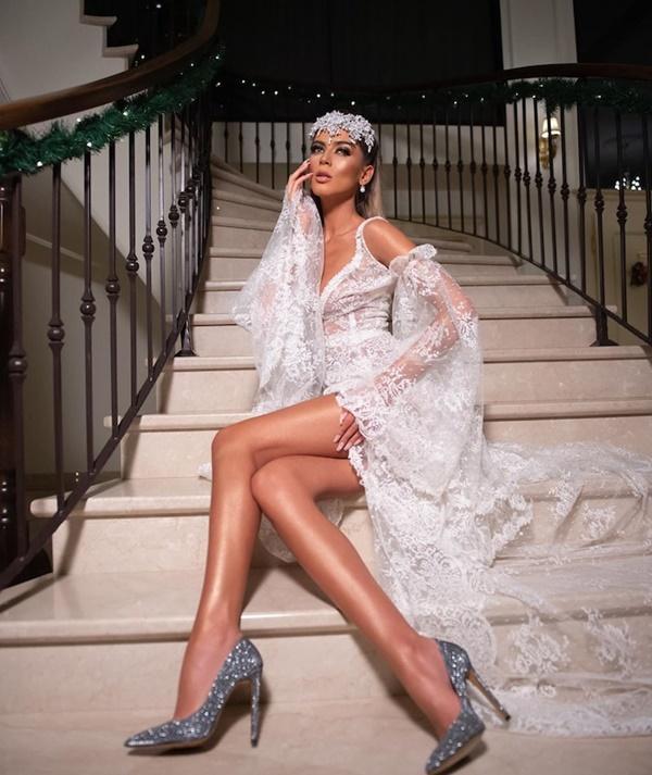 Siêu mẫu với nhan sắc búp bê sống cao 1m81 trở thành đối thủ của Khánh Vân ở Miss Universe 2020-8