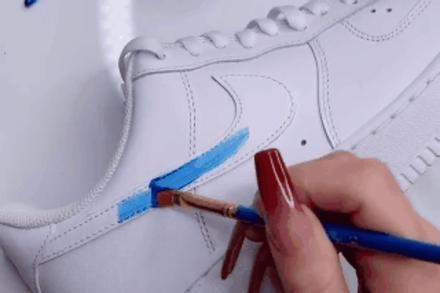 Trào lưu tự vẽ lên giày trắng nổi tiếng trên mạng