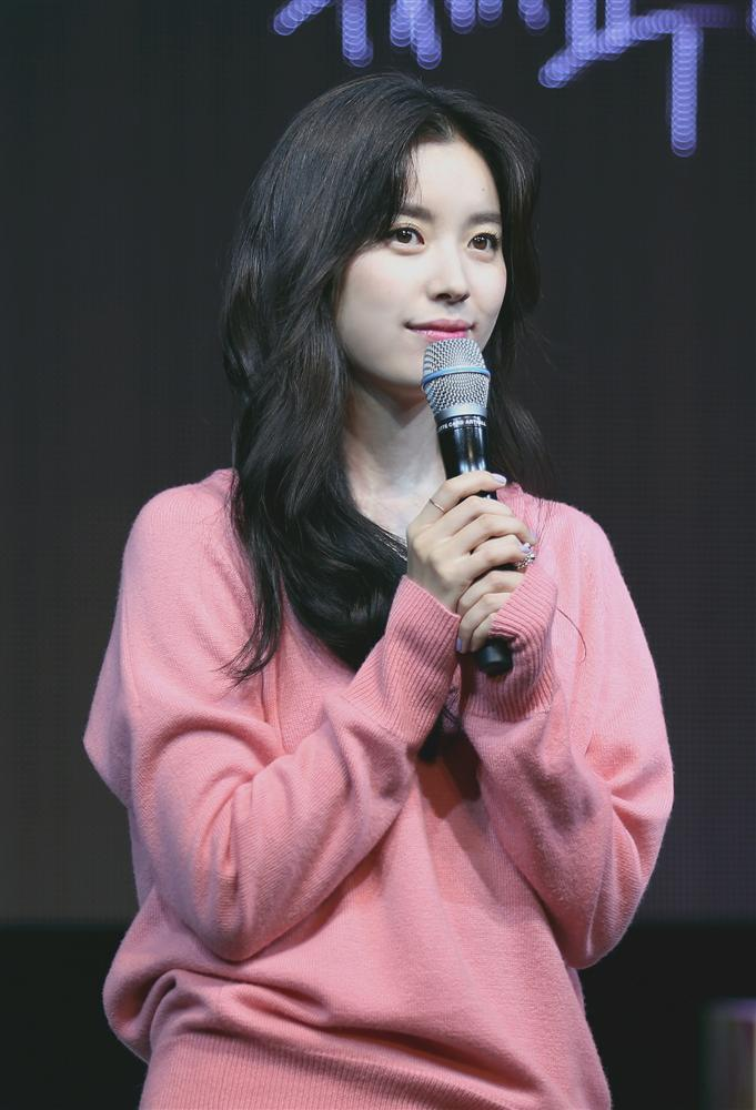 Han Hyo Joo - Mỹ nhân cười đẹp nhất xứ Hàn khốn đốn vì loạt scandal trên trời rơi xuống-1