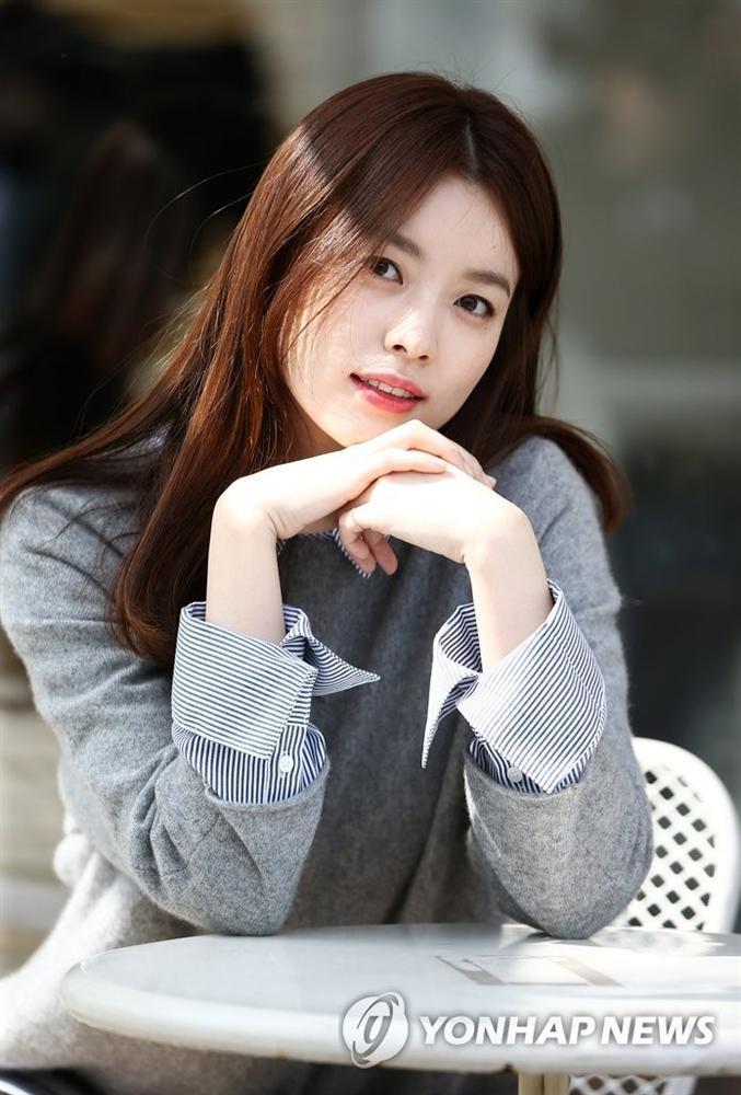Han Hyo Joo - Mỹ nhân cười đẹp nhất xứ Hàn khốn đốn vì loạt scandal trên trời rơi xuống-9