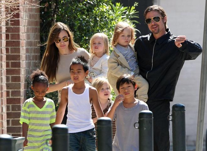 Brad Pitt và Angelina Jolie thân thiết hơn trong thời gian cách ly-1