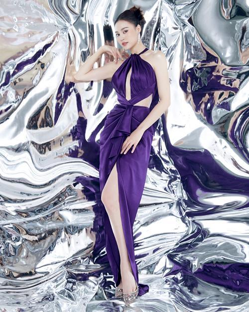 SAO MẶC ĐẸP: Nhã Phương - Hòa Minzy đánh bật một dàn mỹ nhân với trang phục sắc đỏ-5