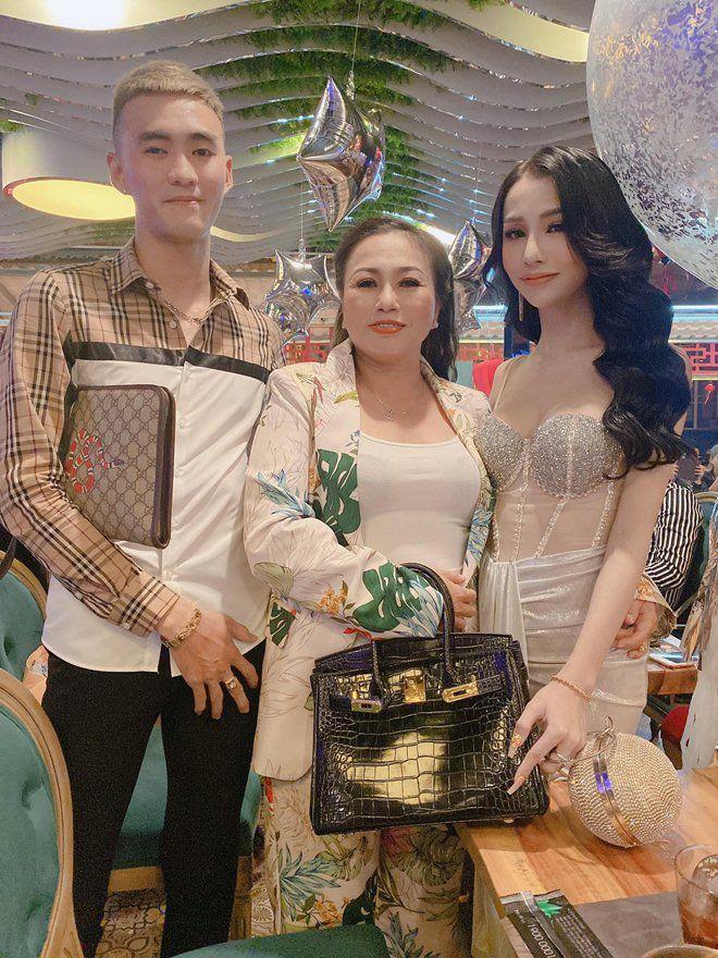 9X Sài Gòn bẻ bạn trai thẳng thành cong, gom tiền đi chuyển giới về xinh như hoa hậu-6