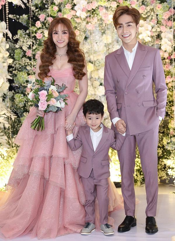Nhóm Mây Trắng người ly hôn vì mẹ chồng, người tái hôn với bồ trẻ