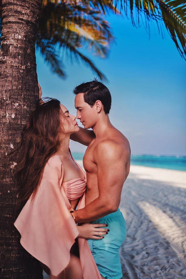 Loạt ảnh tình bể bình của Kim Lý - Hồ Ngọc Hà chứng tỏ tình yêu ngày càng mặn nồng-7