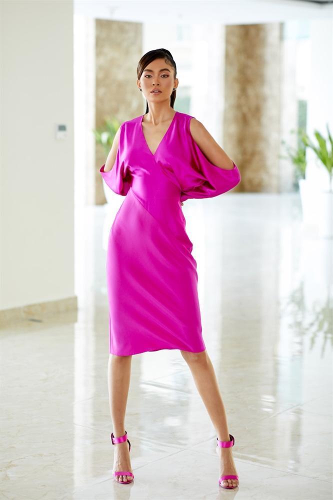SAO MẶC ĐẸP: Nhã Phương - Hòa Minzy đánh bật một dàn mỹ nhân với trang phục sắc đỏ-1