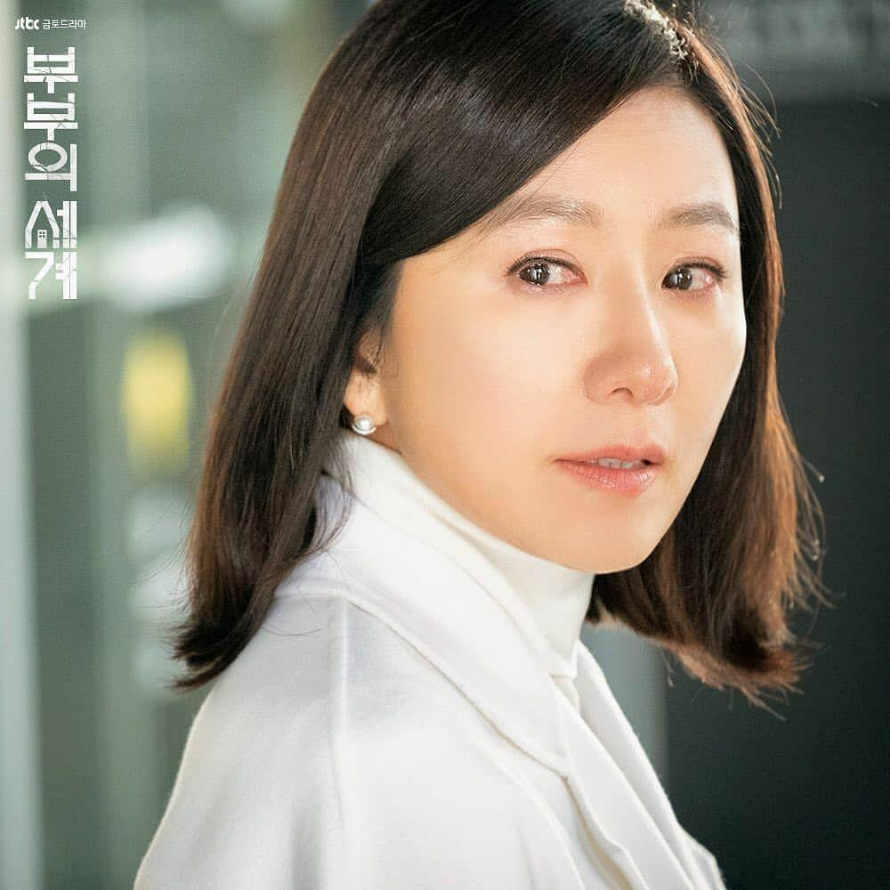 Tiết lộ cát-xê của bà cả Kim Hee Ae trong Thế giới hôn nhân-1