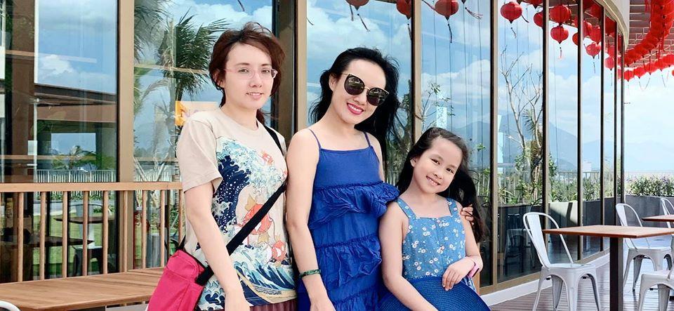 Lần đầu lộ diện, em gái BTV Hoài Anh khiến dân tình không ngừng xuýt xoa nhan sắc lấn át chị-1