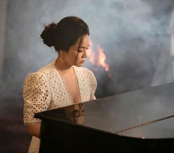 Tin sao Việt: Hạ Vi lấy lại phong độ nhan sắc sau khi tăng cân