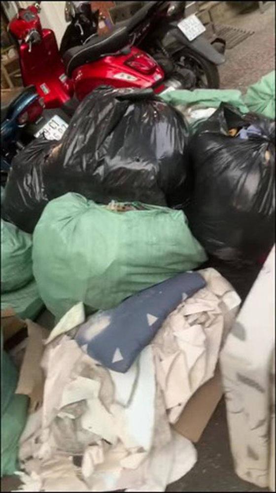 Cô gái ở bẩn nhất Việt Nam gây ám ảnh vì căn phòng ngập rác, chủ trọ tiết lộ bất ngờ-3