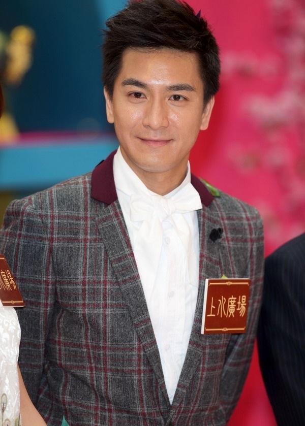 5 mỹ nam đẹp trai tài giỏi nhưng vẫn cô đơn lẻ bóng của TVB-5
