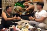 Bị nhà người yêu thách uống 30 chén rượu mới gả con gái cho, anh chàng khéo đối đáp khiến bố vợ tương lai đồng ý mà chẳng phải uống giọt nào!