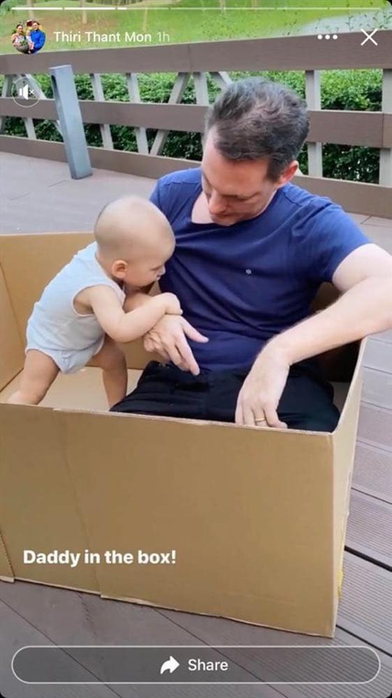 Chồng cũ Hồng Nhung vui vẻ chơi đùa cùng con trai khi ở nhà tránh dịch-2