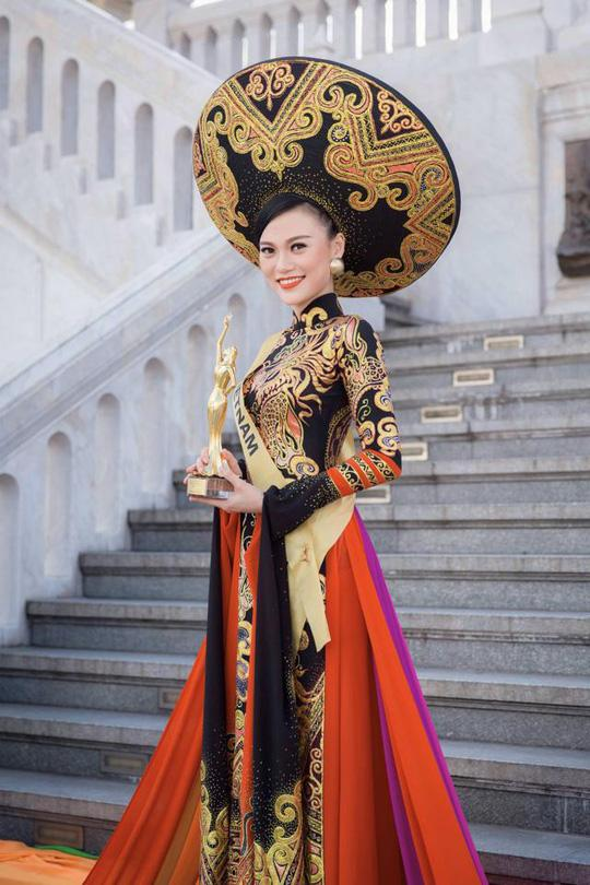 Người mẫu Cao Thùy Linh kể chuyện bị sàm sỡ vùng nhạy cảm khi đang chờ đèn đỏ-5