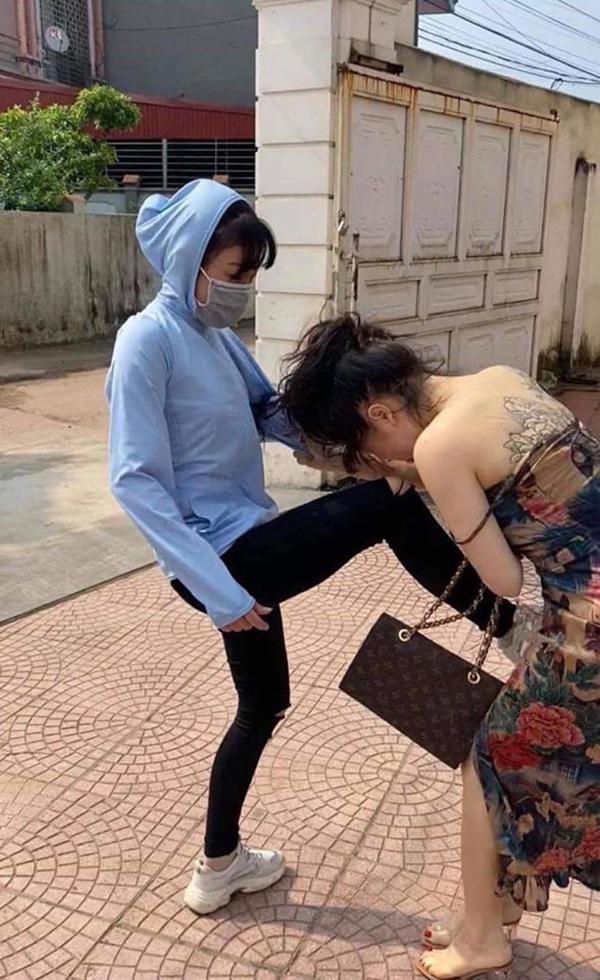 Tuesday xăm trổ hổ báo cũng thua đau trước pha tung cước đánh ghen của vợ nhân tình-2