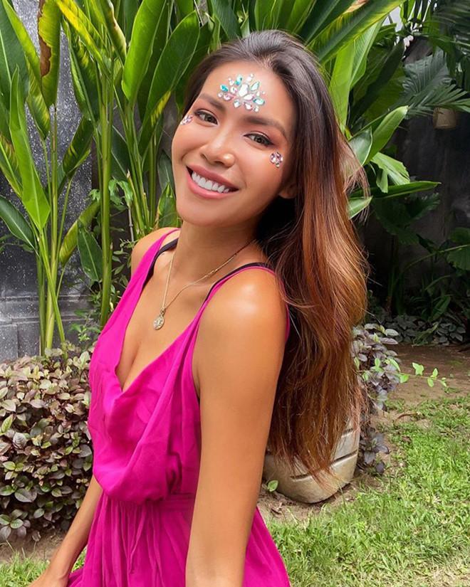 Mắc kẹt ở Bali nhiều tháng, Minh Tú công khai đòi nợ vì cạn tiền-3