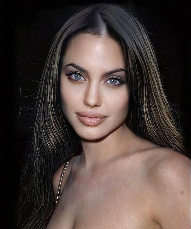 Loạt ảnh chứng minh Angelina Jolie là mỹ nhân từ bé-8