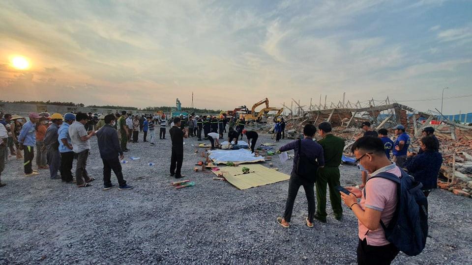 Nhà thầu thi công vụ tường sập đè chết 10 người ở tỉnh Đồng Nai nói trước khi xảy ra vụ việc có cơn gió lốc?-1