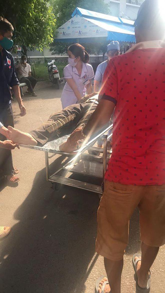 Clip khoảnh khắc kinh hoàng bức tường dài hàng trăm mét ở Đồng Nai sập xuống làm 10 người chết-3