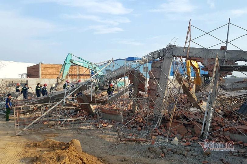 Hiện trường 100m tường công trình đổ sập vùi 10 người chết-1