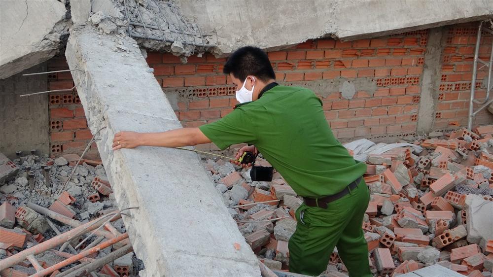 Hiện trường 100m tường công trình đổ sập vùi 10 người chết-11
