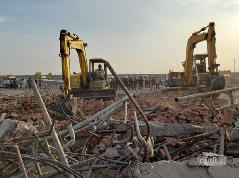 Hiện trường 100m tường công trình đổ sập vùi 10 người chết-2
