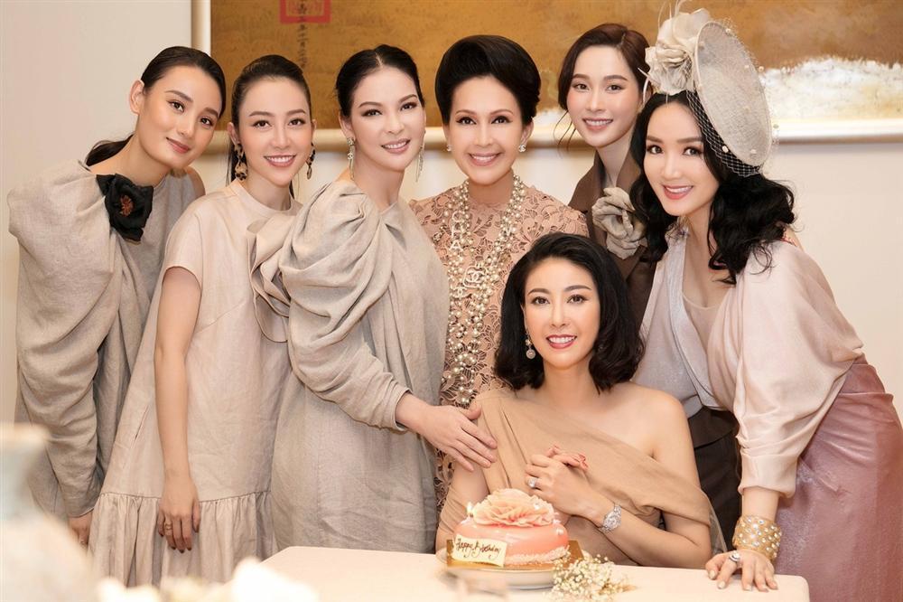 Những tiệc sinh nhật có dress code đẹp nhất của sao Việt-5