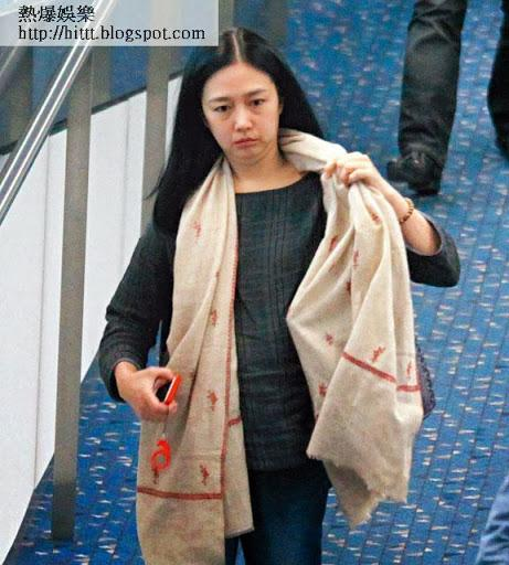 Những tài tử cùng tên Hoa của TVB: người không con cái, kẻ tán gia bại sản-5