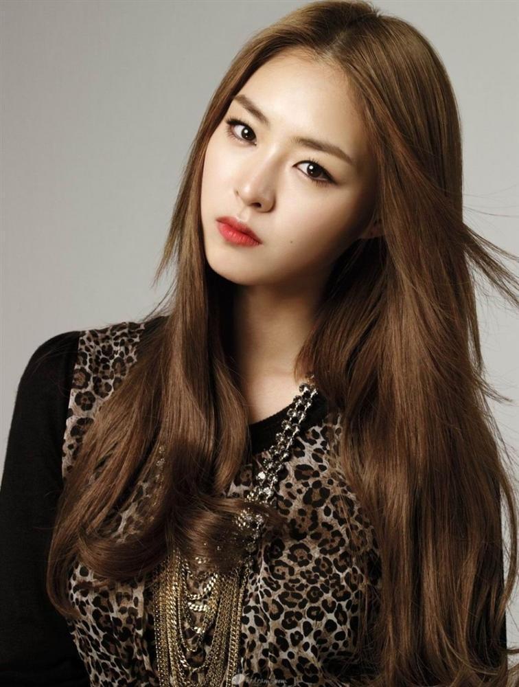 Nữ diễn viên Hoa hậu Hàn Quốc Lee Yeon Hee bất ngờ thông báo kết hôn-3