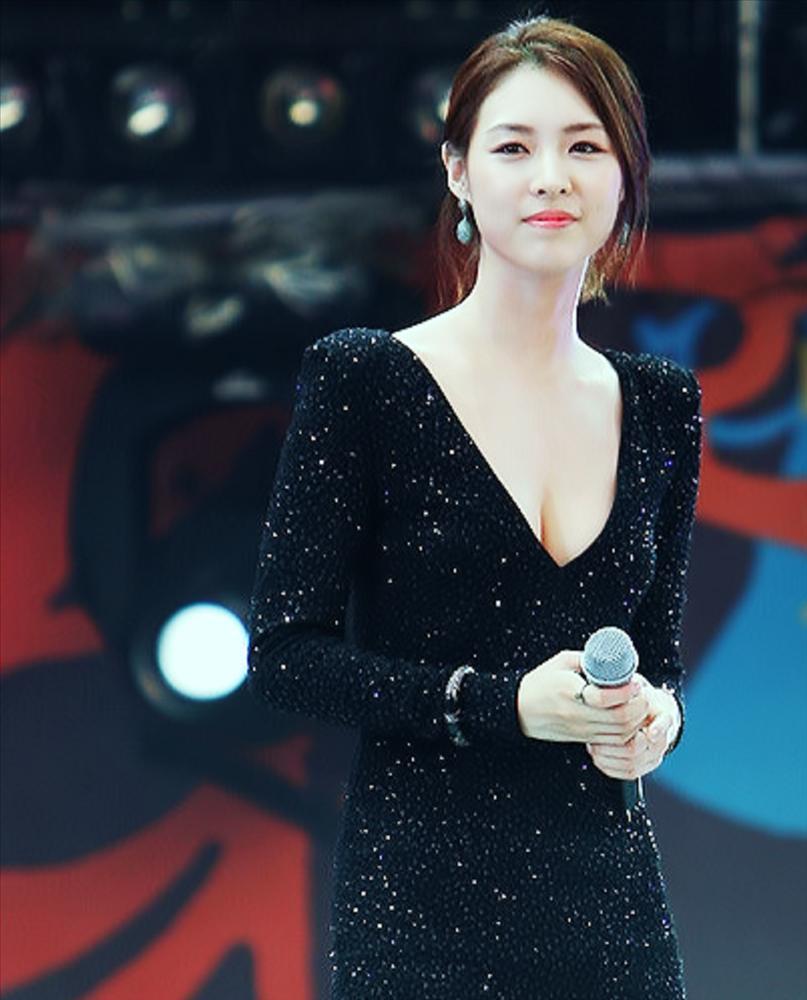 Nữ diễn viên Hoa hậu Hàn Quốc Lee Yeon Hee bất ngờ thông báo kết hôn-4