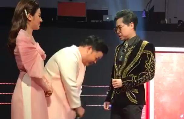 Quang Lê cúi đầu xin lỗi Ngọc Sơn vì đến trễ 6 tiếng-1