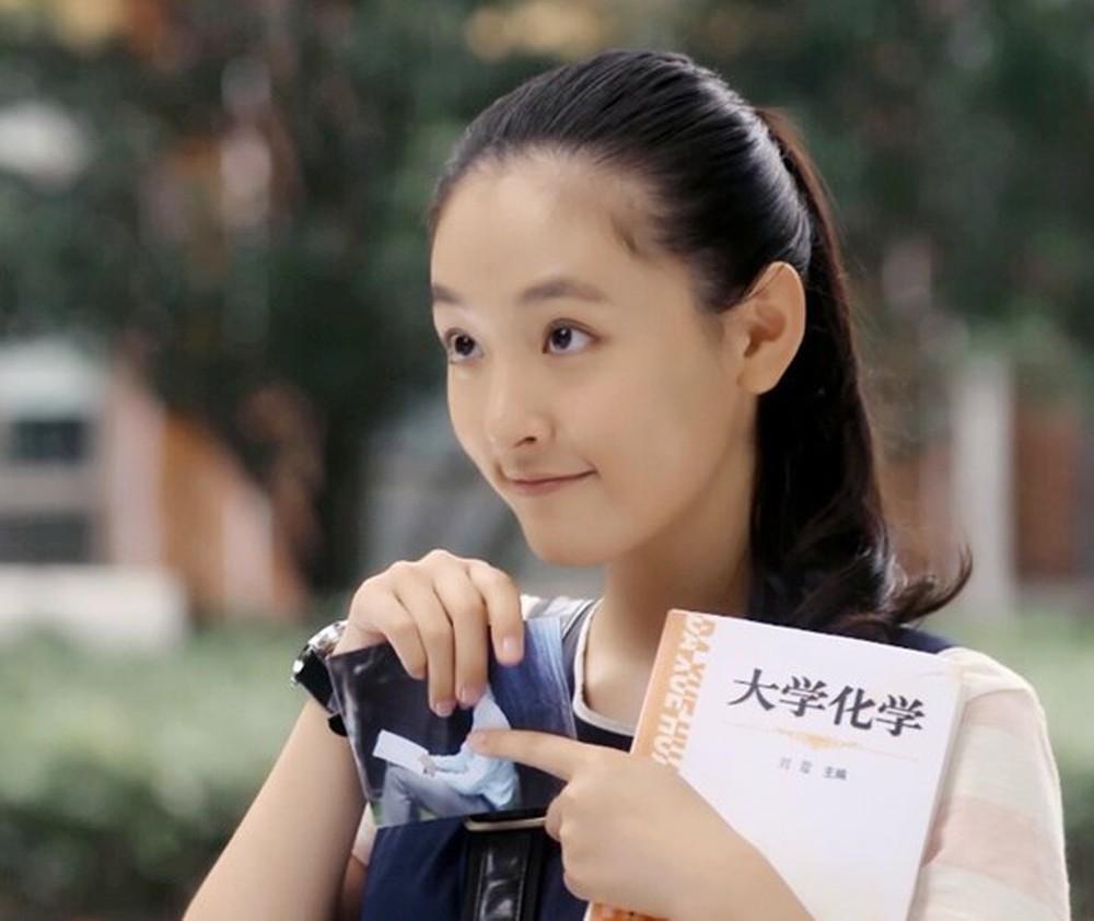 Triệu Lệ Dĩnh, Cúc Tịnh Y khiến khán giả nhàm chán vì tạo hình trăm phim như một-8