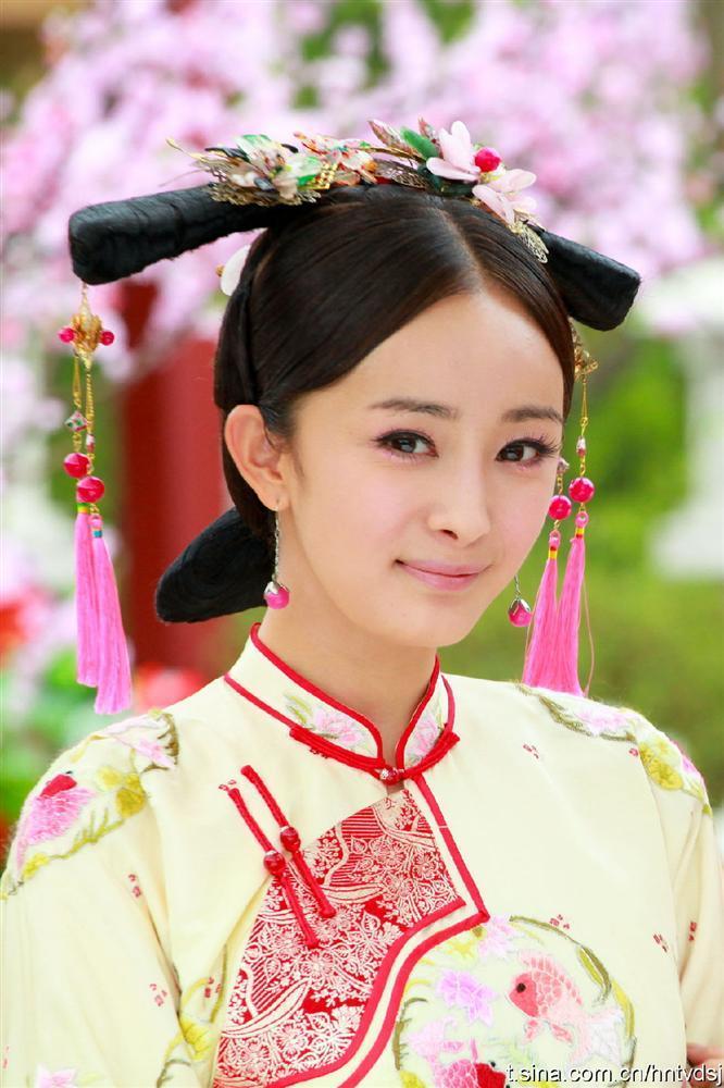 Triệu Lệ Dĩnh, Cúc Tịnh Y khiến khán giả nhàm chán vì tạo hình trăm phim như một-3