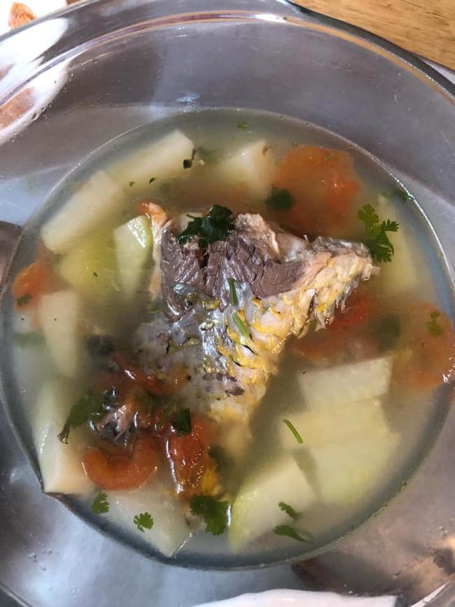 Trổ tài nấu canh cá với su hào, cô gái bất ngờ khi bị người nhà chê Trần đời chưa thấy ai làm thế nhưng dân mạng lại bênh chằm chặp-2