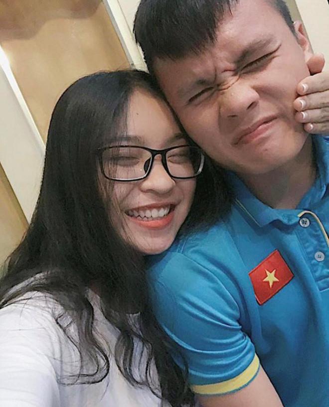 Dư luận công kích có ý nghĩa gì đâu, Huỳnh Anh liên tiếp đăng ảnh tình tứ bên Quang Hải đây này!-4
