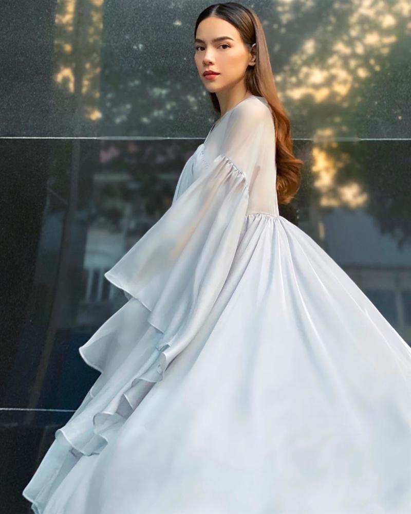 Lý Quí Khánh đăng ảnh Hồ Ngọc Hà, gương mặt sai sai hút hàng ngàn comments-1