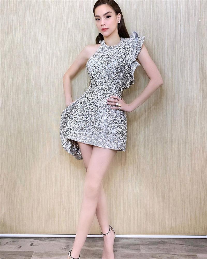 Lý Quí Khánh đăng ảnh Hồ Ngọc Hà, gương mặt sai sai hút hàng ngàn comments-9