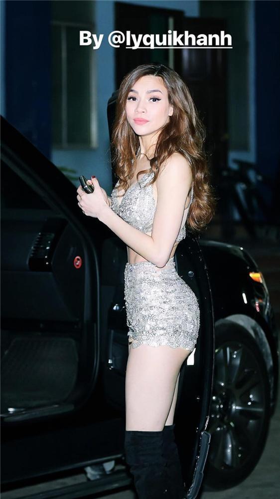 Lý Quí Khánh đăng ảnh Hồ Ngọc Hà, gương mặt sai sai hút hàng ngàn comments-7