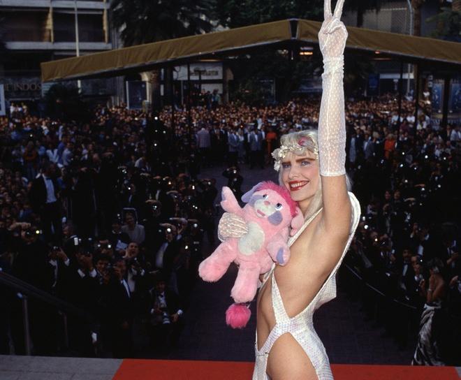 Những khoảnh khắc gây tranh cãi trên thảm đỏ LHP Cannes-1