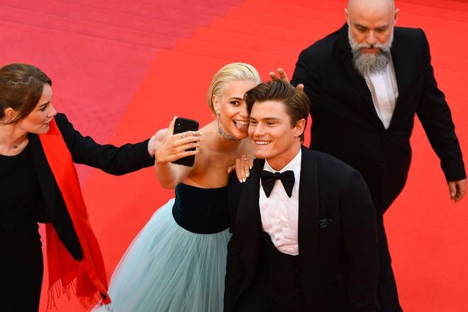 Những khoảnh khắc gây tranh cãi trên thảm đỏ LHP Cannes-7
