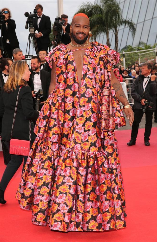 Những khoảnh khắc gây tranh cãi trên thảm đỏ LHP Cannes-8