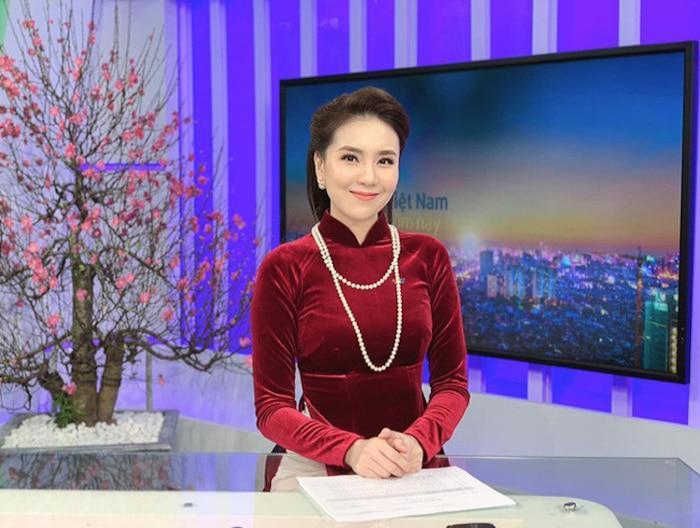 Choáng ngợp trước gia sản kếch xù của MC Mai Ngọc: Chỉ riêng phụ kiện cũng sương sương hàng trăm triệu đồng-1