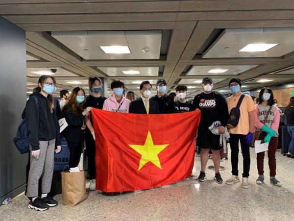 Đưa hơn 340 người Việt từ Washington DC về Nội Bài-2