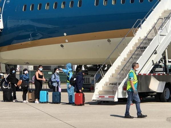 Đưa hơn 340 người Việt từ Washington DC về Nội Bài-4