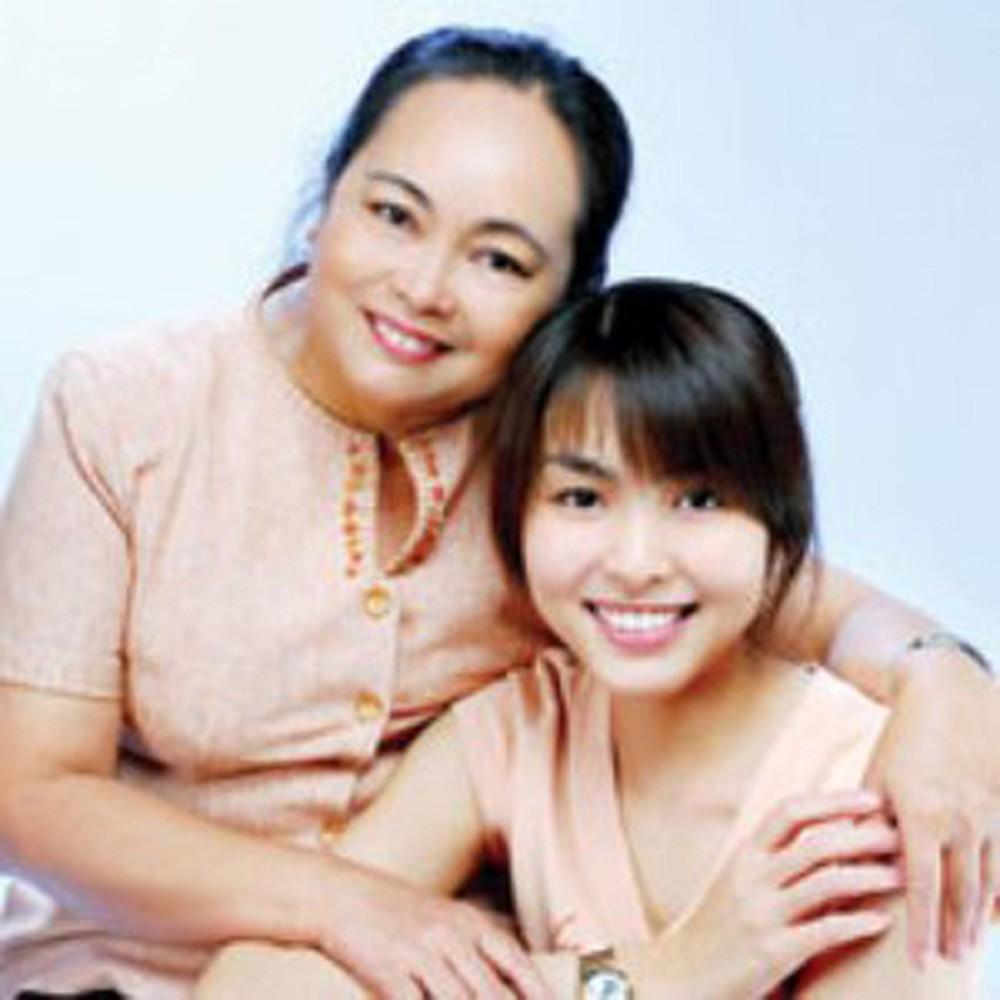 Lâu lâu Tăng Thanh Hà mới cho mẹ ruột lên sóng-5