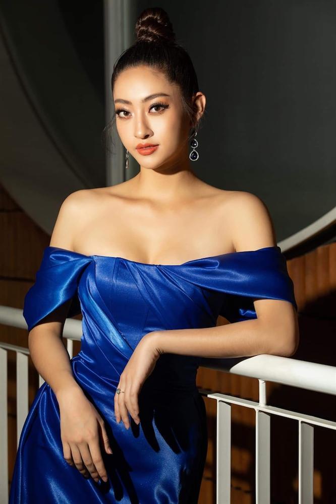 Hoa hậu Lương Thùy Linh diện váy hai dây khoe thềm ngực nõn nà khó cưỡng